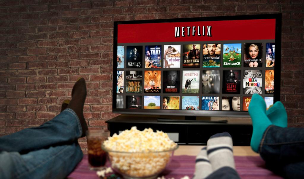 Netflix en bref : un hôtel pour binge watcher, 100 millions d'abonnés, un film sur l'anorexie et le retour du Parrain
