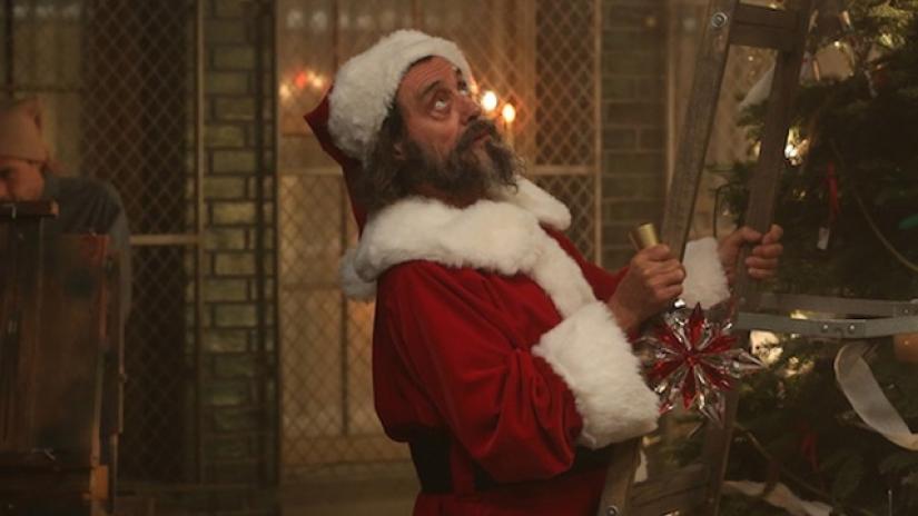 american horror story nuit pas tres saine - Pour Noël, ne passez pas à côté des épisodes spécial fêtes de vos séries Netflix