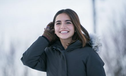 Isabela Moner : tout sur l'actrice de Flocons d'amour (Let it snow – Netflix)