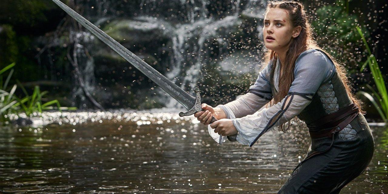 La star de «13 Reasons Why» sera la future dame du lac dans la série Cursed