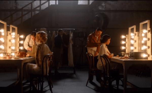 hollywood netflix 600x366 - La mini-série Hollywood sous les feux des projecteurs en ce moment sur Netflix