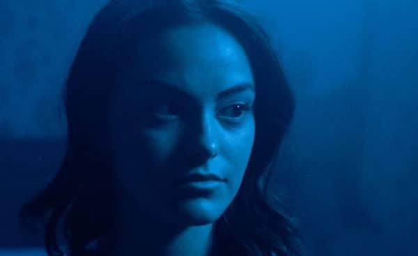 mensonges et trahisons netflix 600x368 - Mensonges et trahisons (avis) : Camilia Mendes de Riverdale dans la tourmente du nouveau thriller Netflix