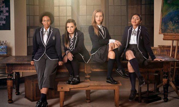 Les Justicières : enfilez votre uniforme et découvrez le nouveau phénomène britannique sur Netflix !