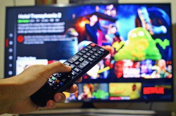 """netflix mode aleatoire lecture 600x397 - Le mode """"lecture aléatoire"""" est en phase de test sur certains écrans d'accueil Netflix"""
