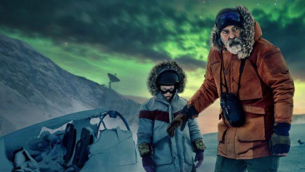 minuit dans lunivers netflix 600x338 - Minuit dans l'univers : que vaut le film post-apocalyptique par et avec George Clooney ?