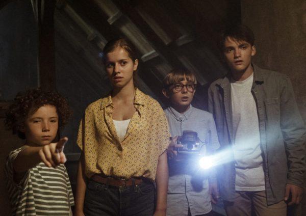 notre maison hantée netflix 600x424 - Notre maison hantée : un film surnaturel à voir en famille le 14 mai sur Netflix