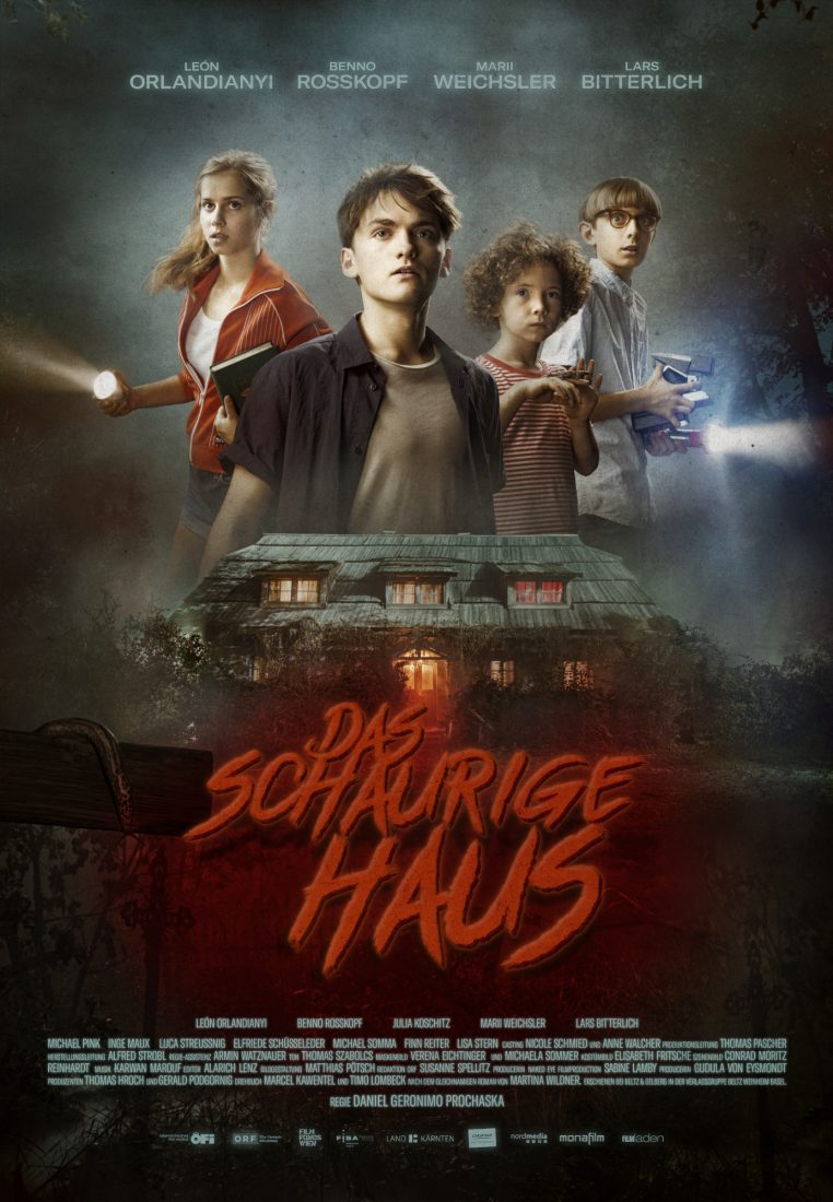 notre maison hantée netflix 762x1100 - Notre maison hantée : un film surnaturel à voir en famille le 14 mai sur Netflix