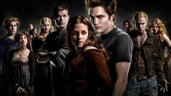 twilight netflix 600x338 - Twilight : la saga aux dents acérées débarque en juillet sur Netflix !