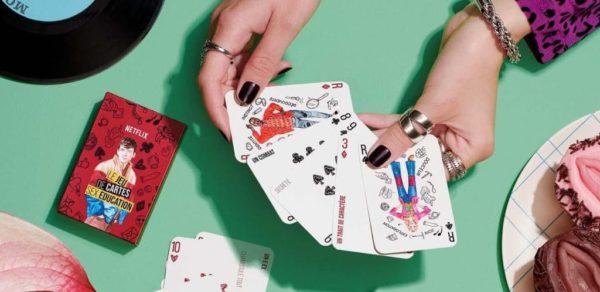 sex education netflix jeu de carte gratuit 600x292 - Sex Education (saison 3) : Netflix va offrir des jeux de cartes gratuits pour se jouer de tous les tabous