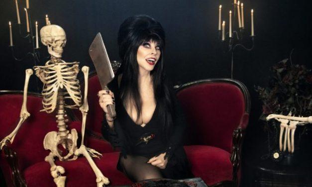 """Chaque dimanche, le Dr Elvira vous prescrit une ordonnance de films d'horreur pour un Halloween très """"Netflix & Chills"""""""