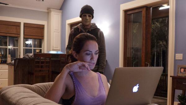 """pas un bruit netflix 600x338 - De """"Panic Room"""" à """"Pas un Bruit"""" :  ajoutez un """"home invasion"""" à votre liste de films spécial Halloween"""